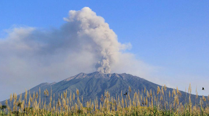 Mount-Raung-East-Java-Indonesia_1